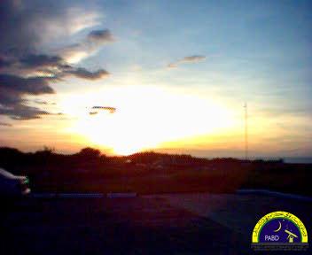 Ufuk Barat ketika matahari terbenam (jam 18:02) 13 November 2004. Bukit Agok, Tutong